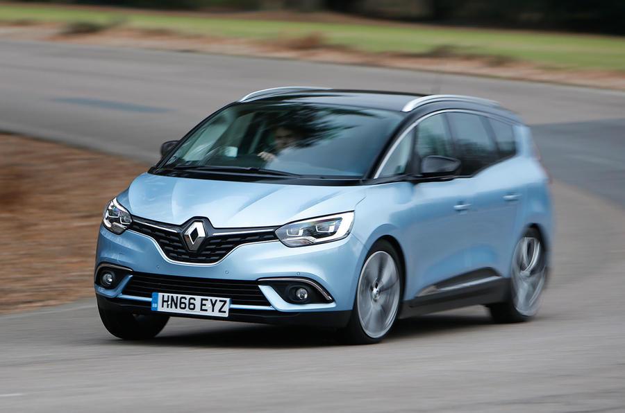 Renault Grand Scenic cornering