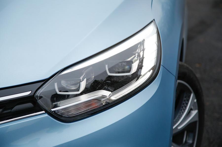 Renault Grand Scenic LED headlights