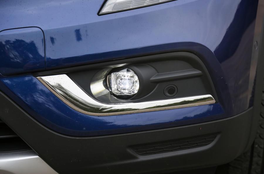 Renault Koleos foglights