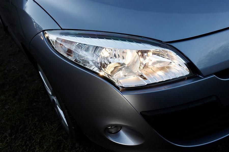Renault Megane headlights
