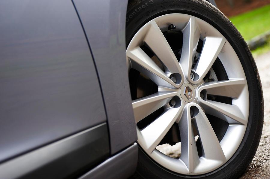 17in Renault Megane alloy wheels