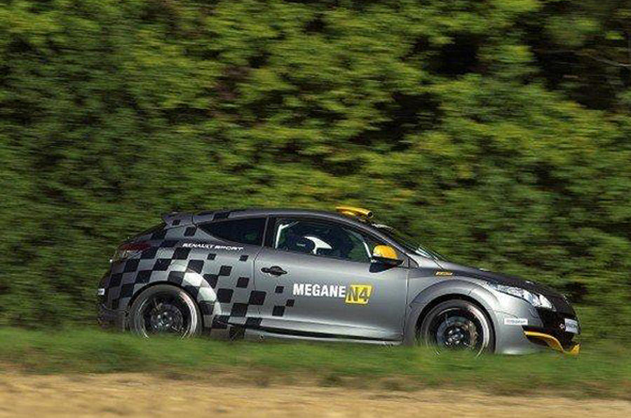 Mégane racer hints at hotter RS