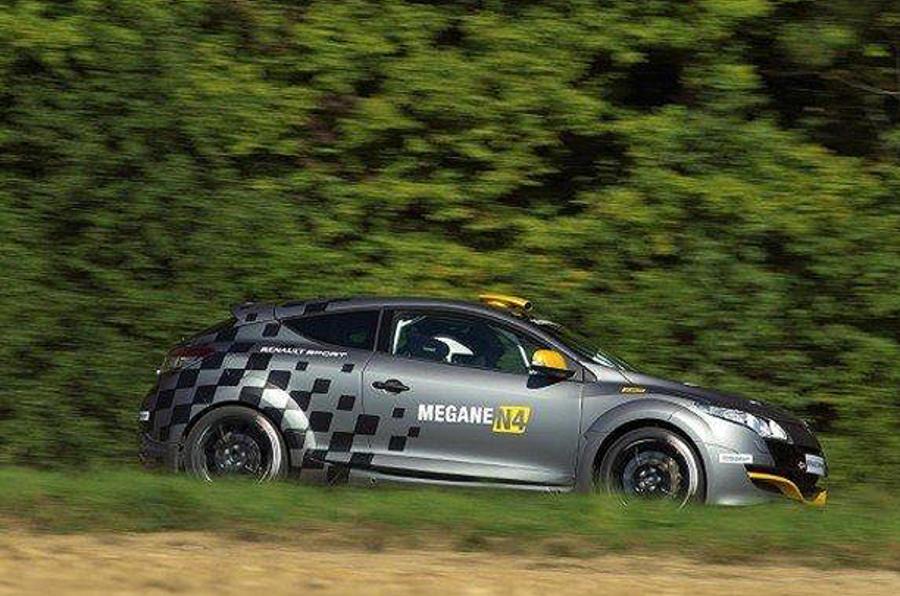 Mégane racer hints at hotter RS