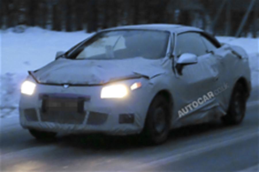 Renault Megane cabrio spied