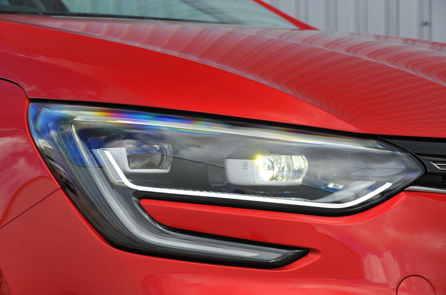 Renault Megane C-shaped headlight
