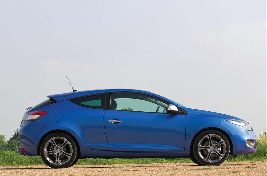 Renault Megane GT Line side profile