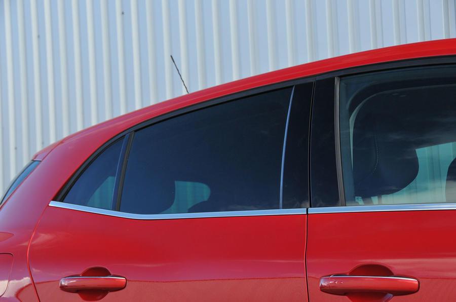 Renault Megane rear roofline