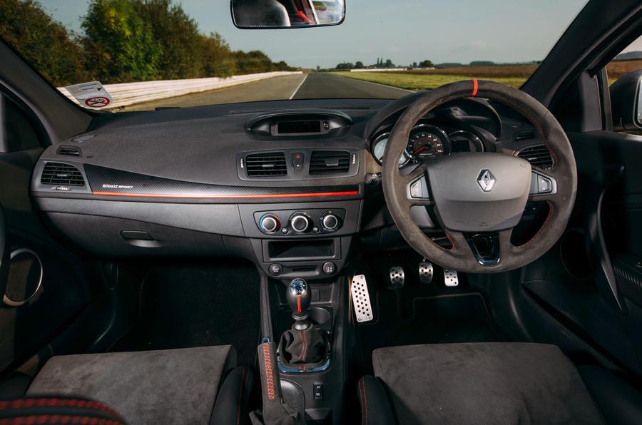 Renault Megane RS275 Trophy-R dashboard