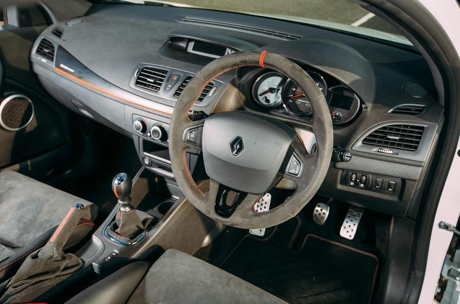 Renault Megane RS275 Trophy-R interior