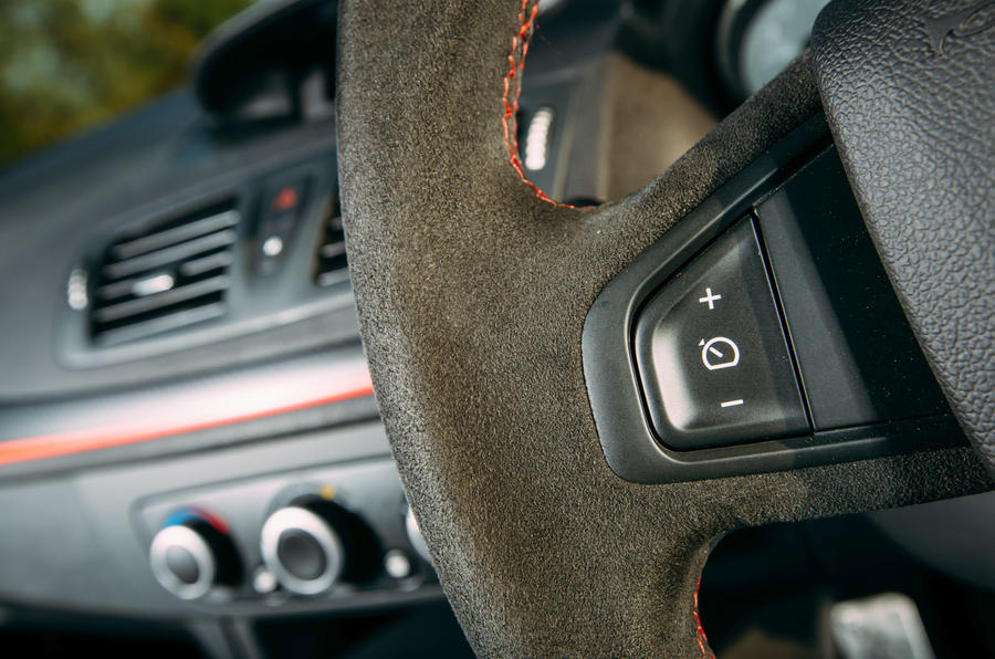 Megane RS275 steering wheel buttons