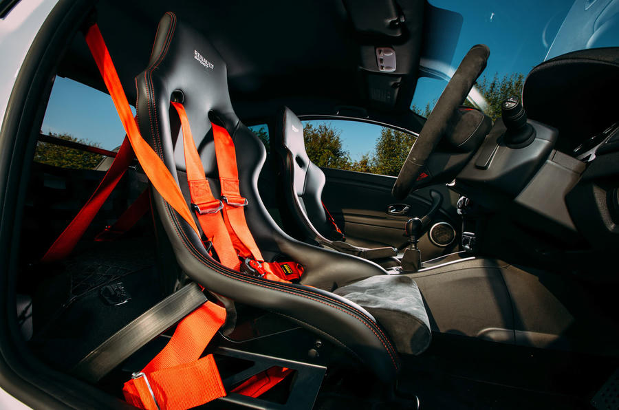 Megane RS275 Trophy-R racing seats