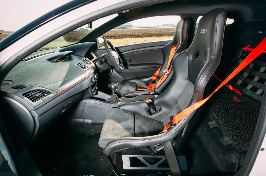 Renault Megane RS275 Trophy-R interior