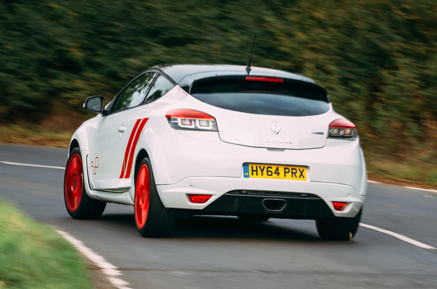 Megane RS275 Trophy-R rear cornering