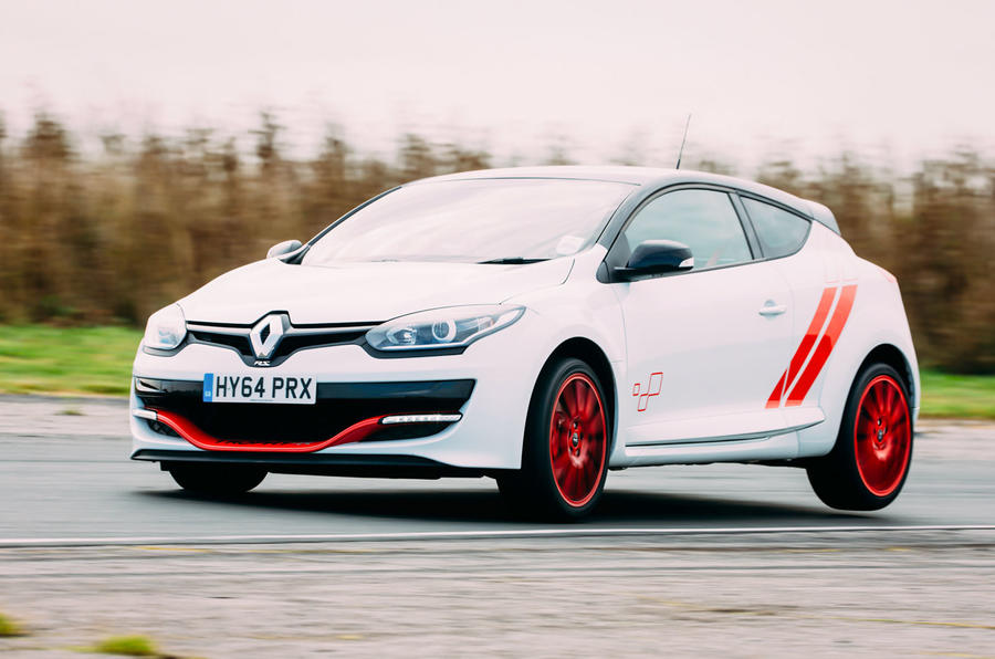 Megane RS275 Trophy-R hard cornering