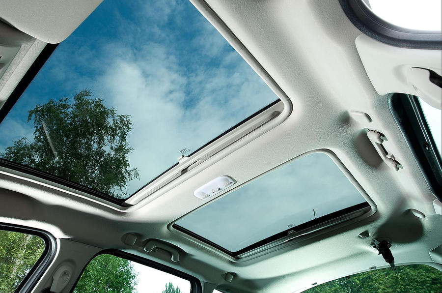 Renault Scenic twin panoramic sunroof