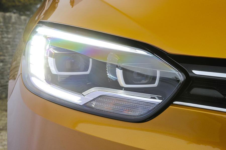 Renault Scenic LED headlights