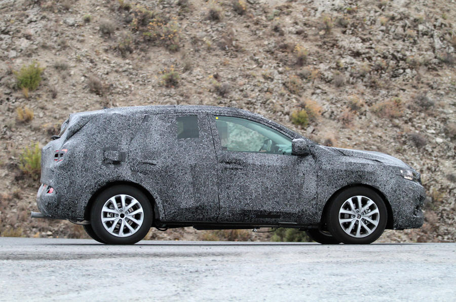 Renault to take on Nissan Qashqai with new crossover