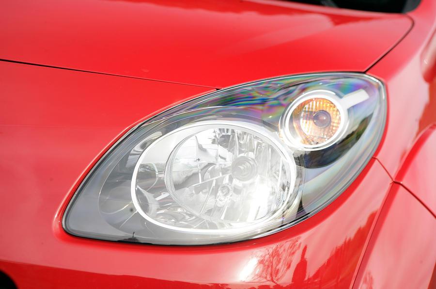 Renault Twingo Renaultsport 133 headlight