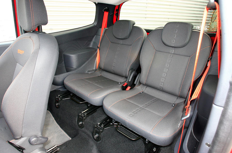 Renault Twingo RS rear seats