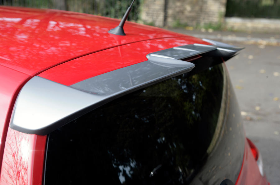 Renault Twingo RS roof spoiler