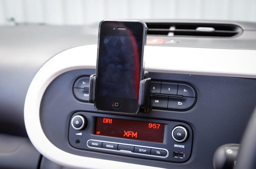 Renault Twingo infotainment system