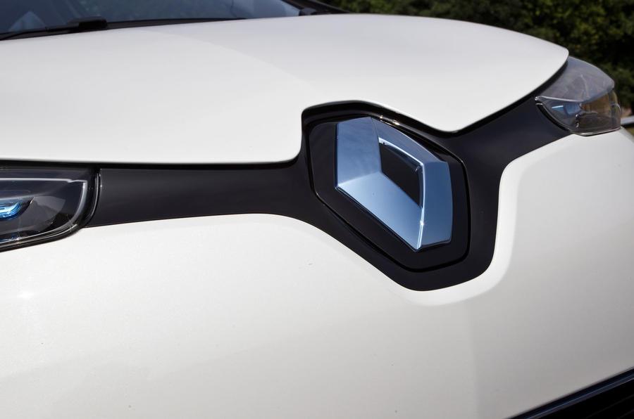 Renault Zoe blue badging