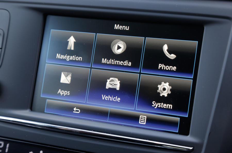 Renault Kadjar R-Link 2 infotainment system