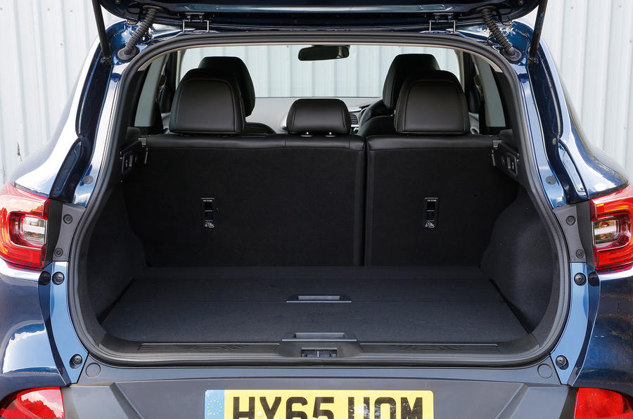 The Renault Kadjar comes with a moveable boot floor and removable shelves