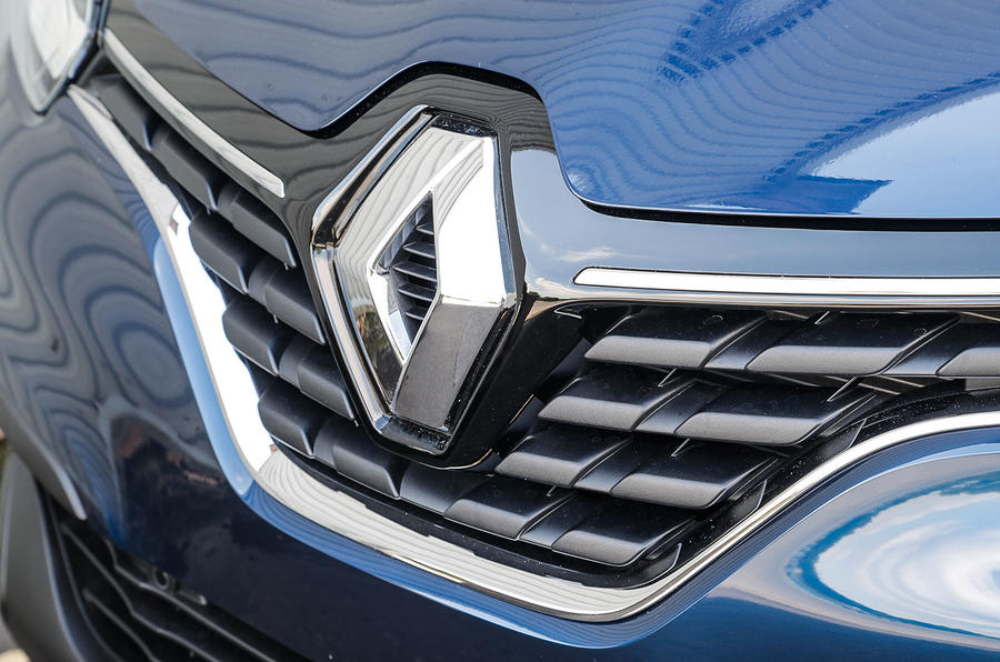 Renault Kadjar badge