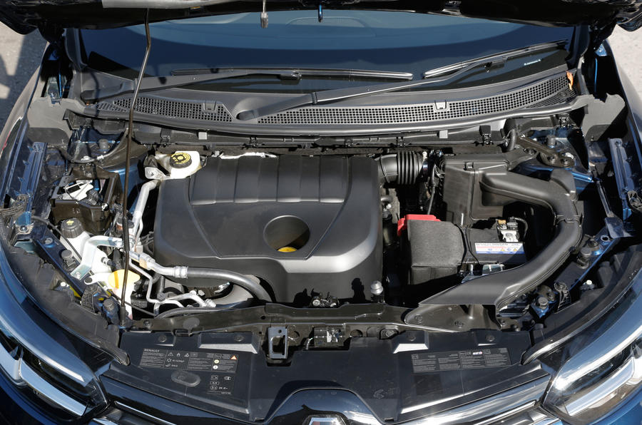 Renault Kadjar engine bay