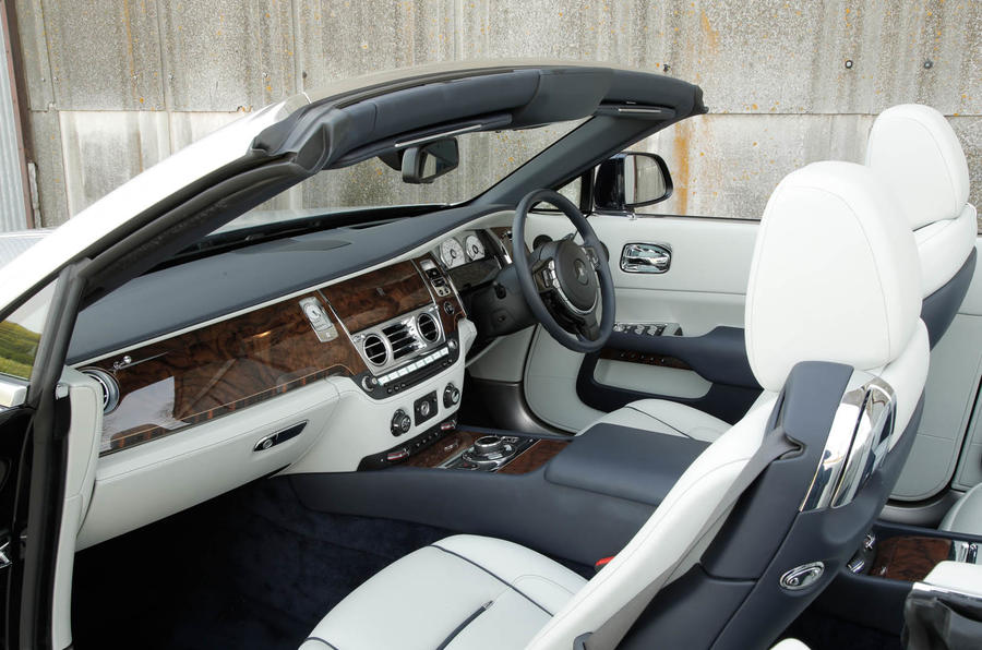 Rolls-Royce Dawn veneer dashboard