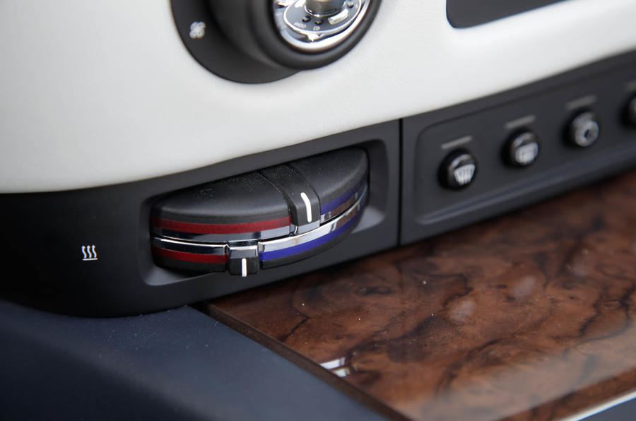 Rolls-Royce Dawn climate controls