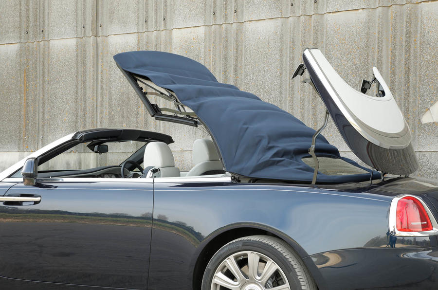 Rolls-Royce Dawn roof opening