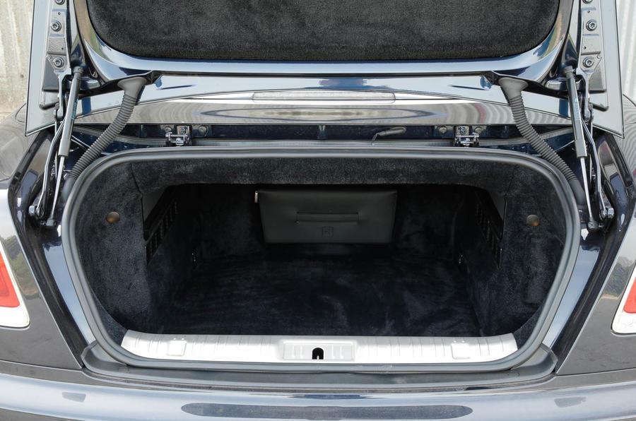 Rolls-Royce Dawn boot space