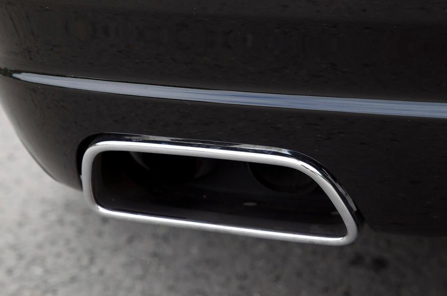 Rolls-Royce Ghost twin-chrome exhaust
