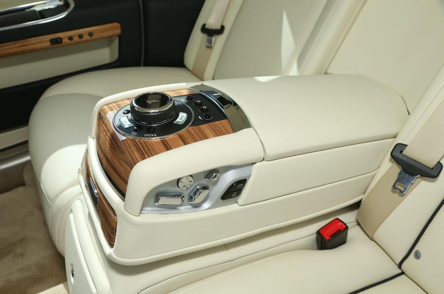 Rolls-Royce Ghost Series II infotainment controller