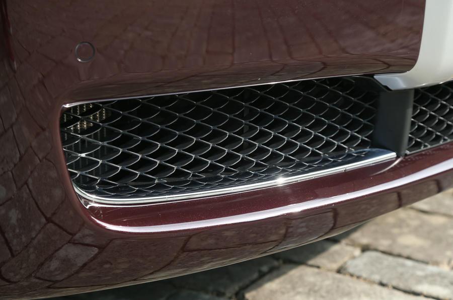 Rolls-Royce Ghost front air scoop