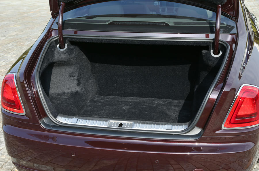 Rolls-Royce Ghost boot space
