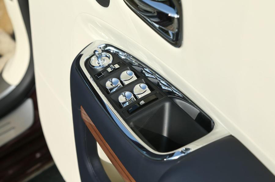 Rolls-Royce Ghost window controls