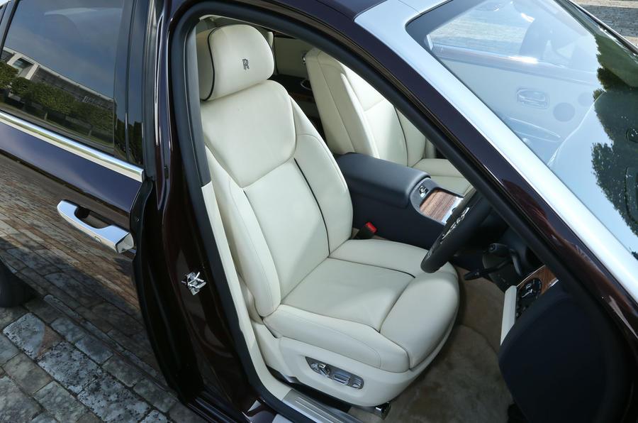 Rolls-Royce Ghost front seats
