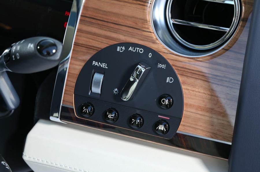 Rolls-Royce Ghost lights switchgear