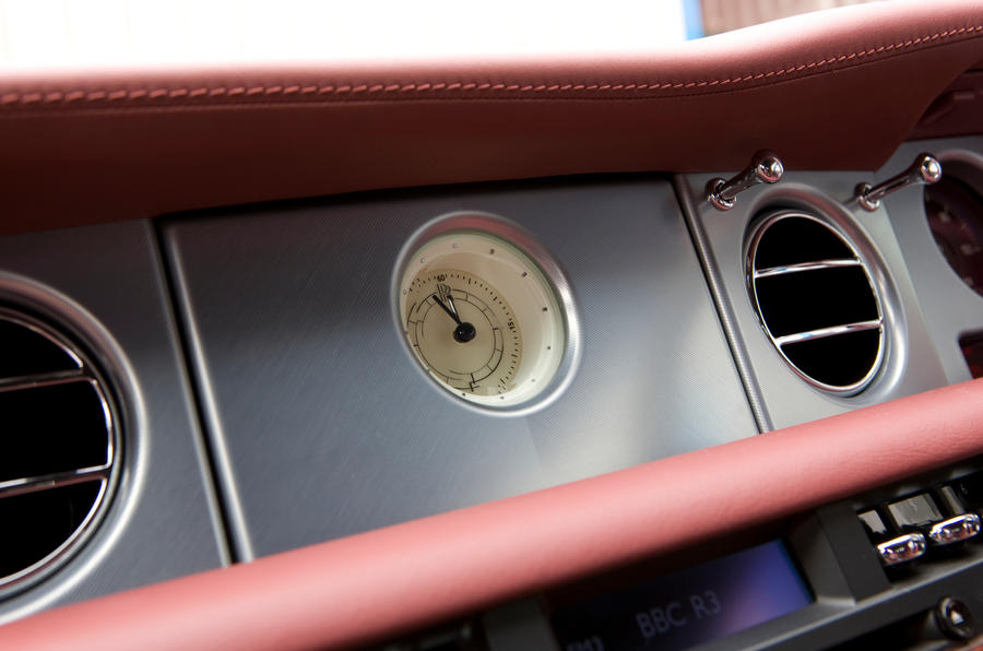 Rolls-Royce Phantom Coupé interior clock