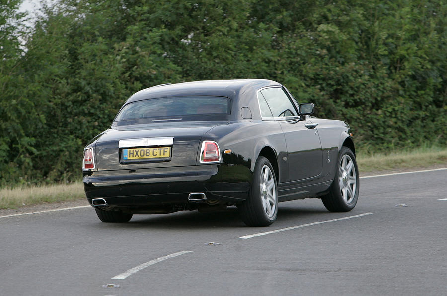 Rolls-Royce Phantom Coupé rear cornering