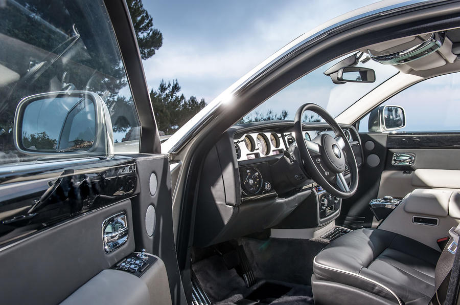 ... Rolls Royce Phantom Interior ...