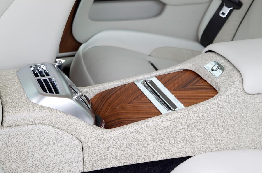 Rolls-Royce Wraith rear centre console