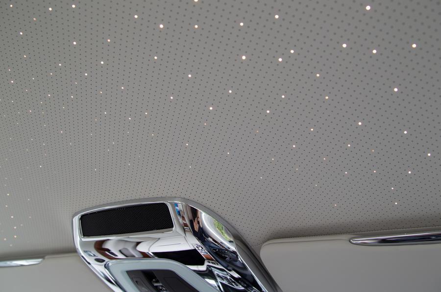Rolls-Royce Wraith starlight headlining