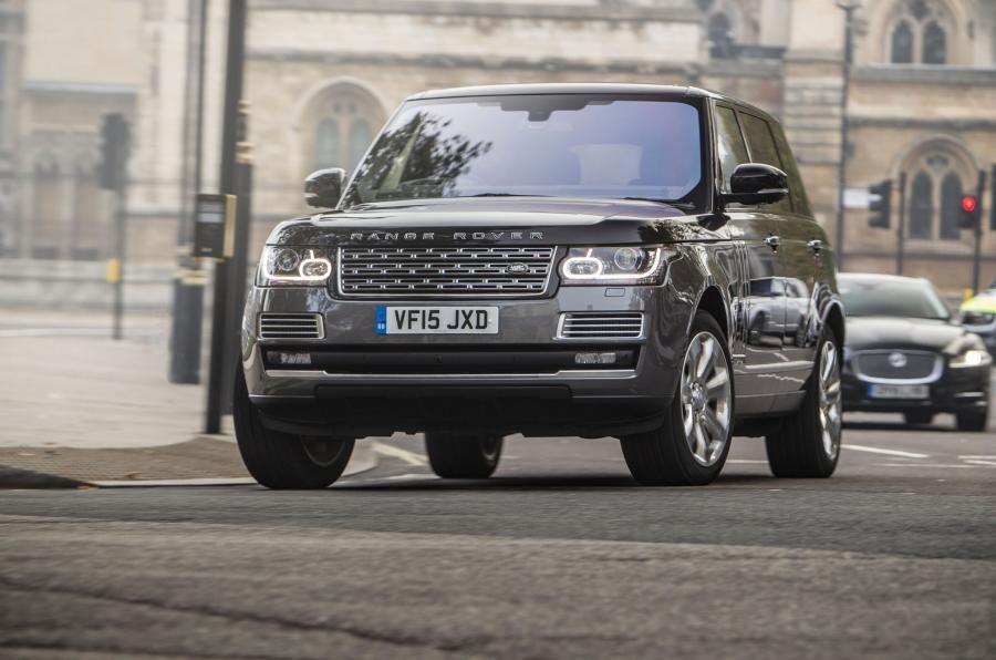 Range Rover SVAutobiography cornering