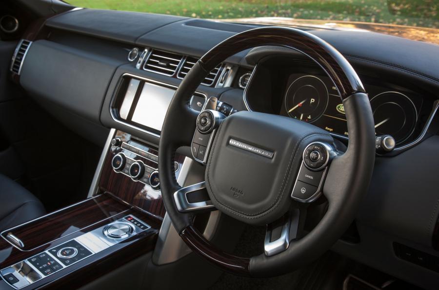 Range Rover SVAutobiography steering wheel