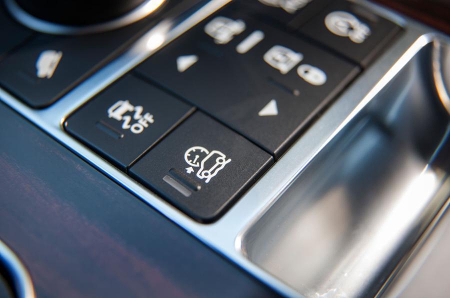 Range Rover SVA off-roading modes