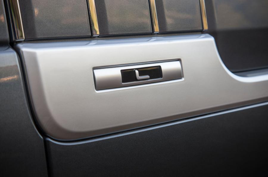 Range Rover SVA badging